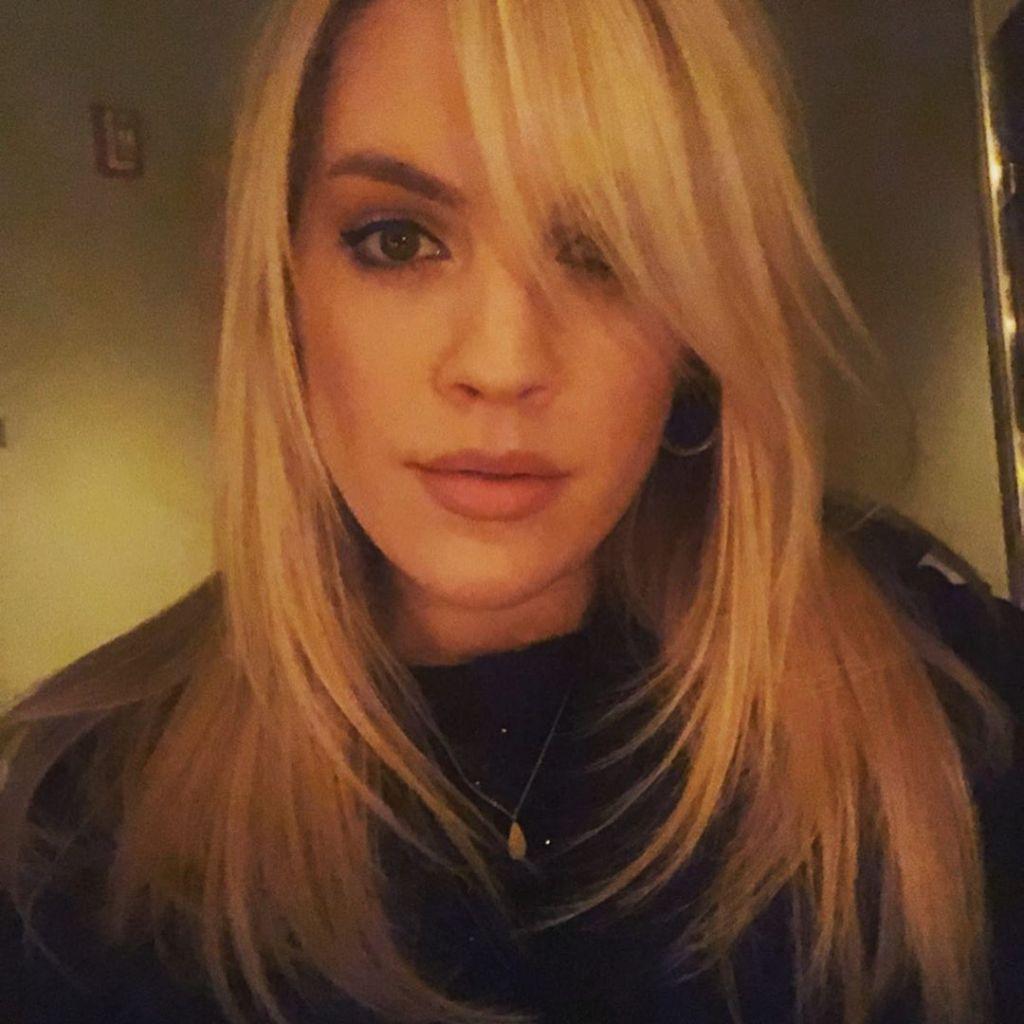 Kristen Alderson bangs