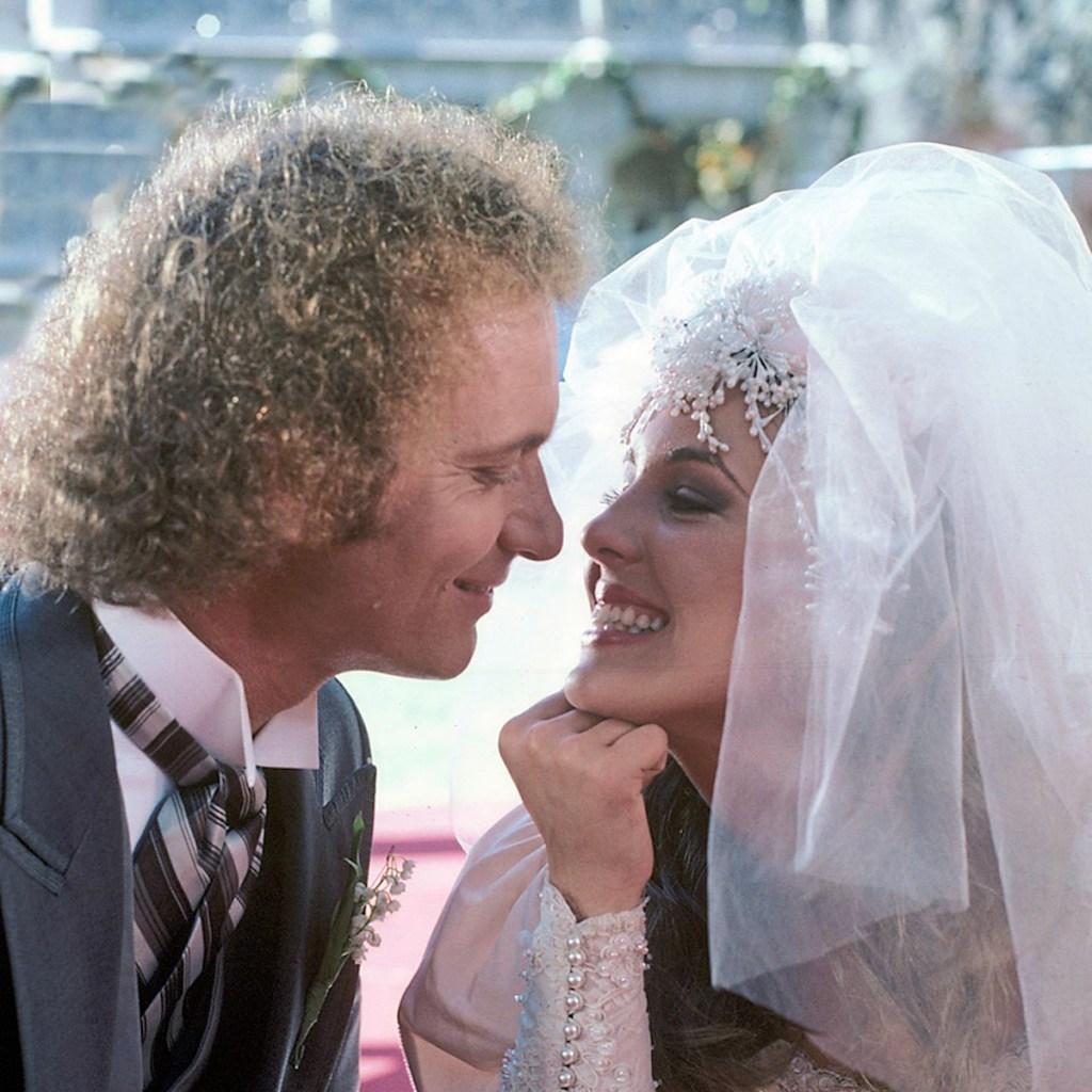 GH Luke Laura wedding