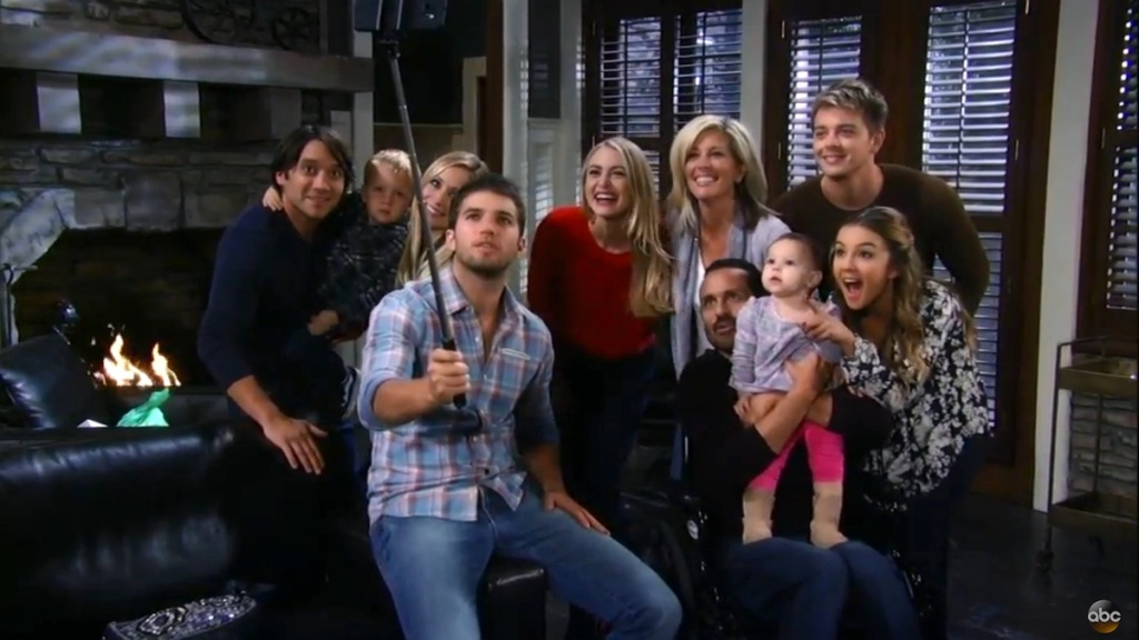 GH Corinthos Family selfie
