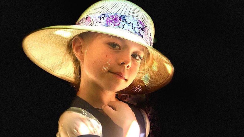 Jophielle Love hat
