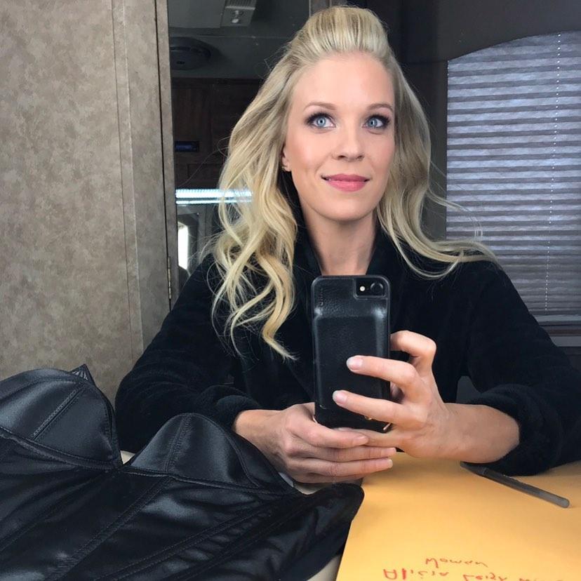 Alicia Leigh Willis selfie