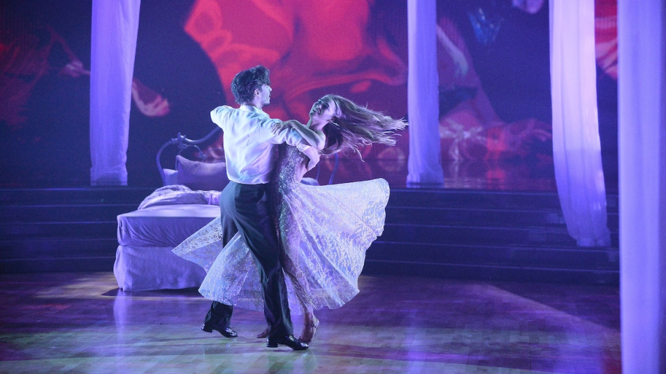 Chrishell Stause Dancing Week 8