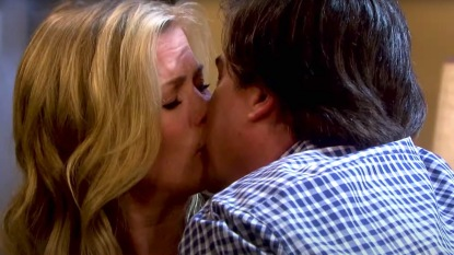 DAYS Sami Lucas kiss