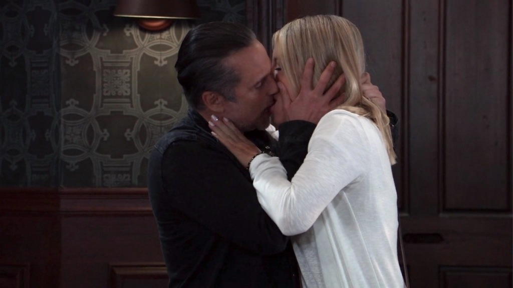 GH Sonny Nina kiss