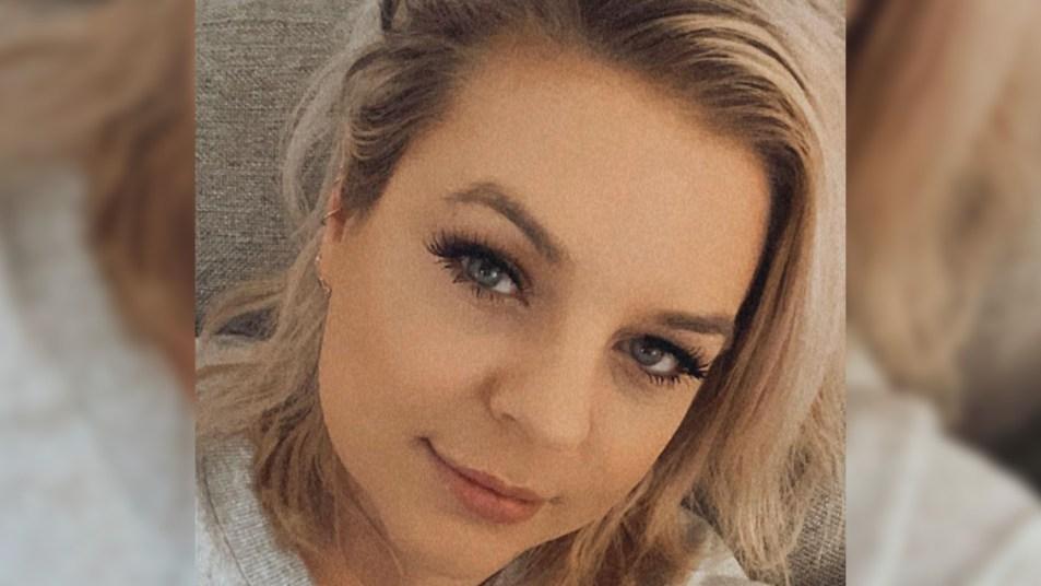 Kirsten Storms selfie
